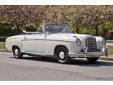 Mercedes-Benz 220 bei Gebrauchtwagen.expert - Abbildung (4 / 15)