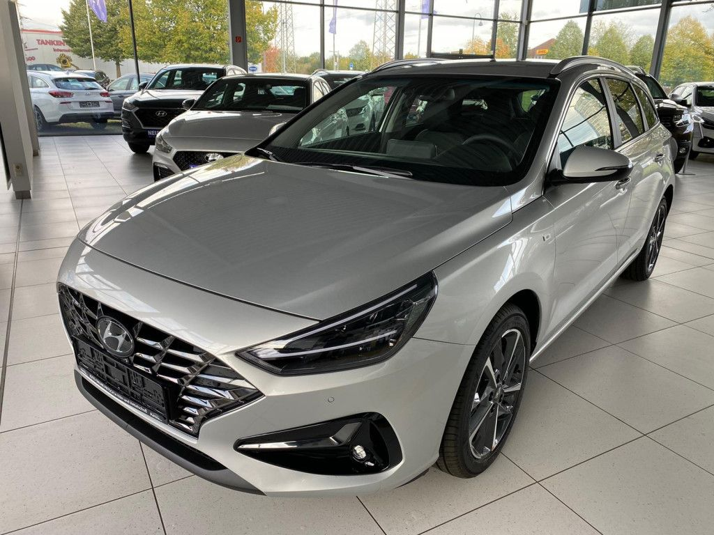 Hyundai i30 bei Gebrauchtwagen.expert - Hauptabbildung